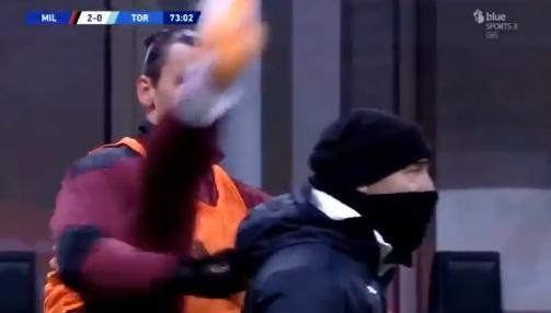 Ibrahimovićevo zagrijavanje postalo hit